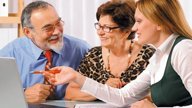 Пенсионеры и самозанятость: забирают ли у них доплаты и льготы, уплата налогов