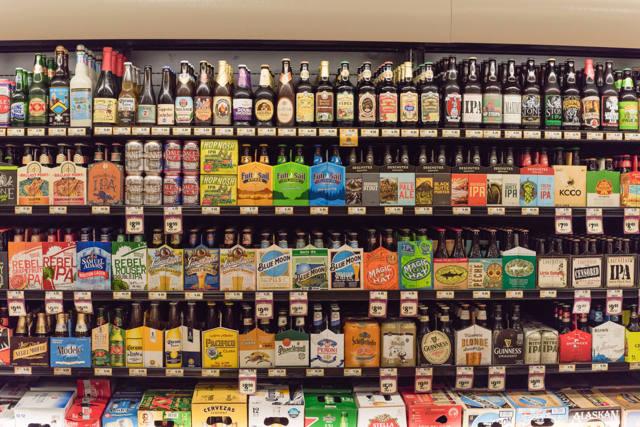 Правила торговли пивной продукцией для ИП: что для этого нужно, как подключиться