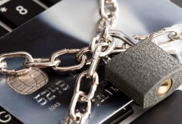 Почему банки блокируют счета самозанятых: причины и защита своих денег